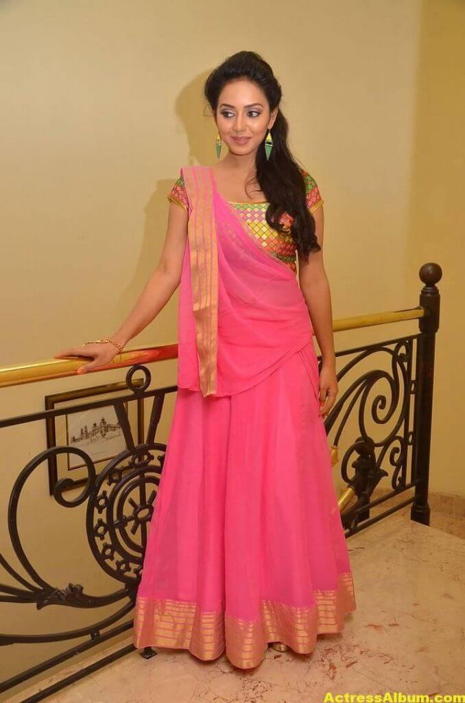 Vidya Pradeep Hot Photos In Pink Half Saree (2)