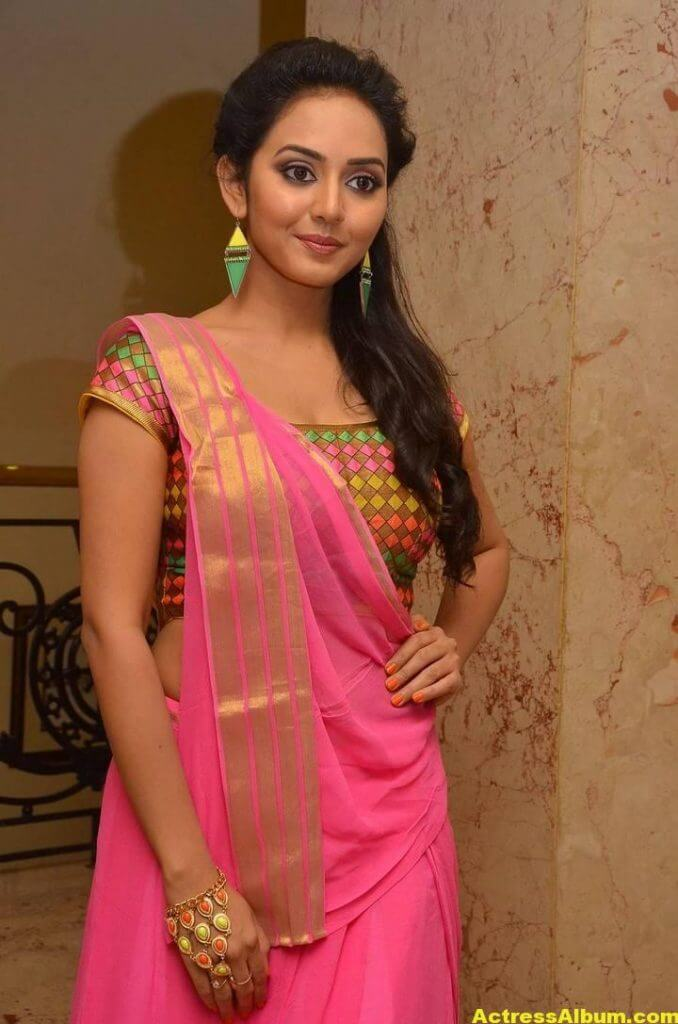 Vidya Pradeep Hot Photos In Pink Half Saree (3)