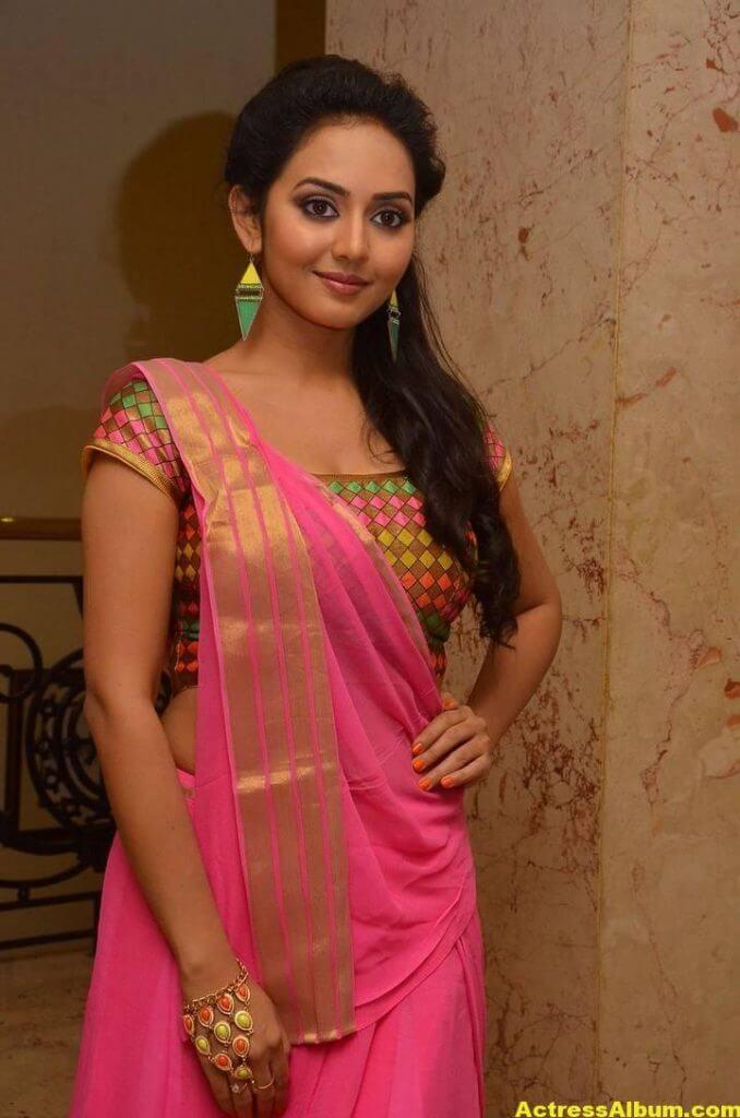 Vidya Pradeep Hot Photos In Pink Half Saree (4)