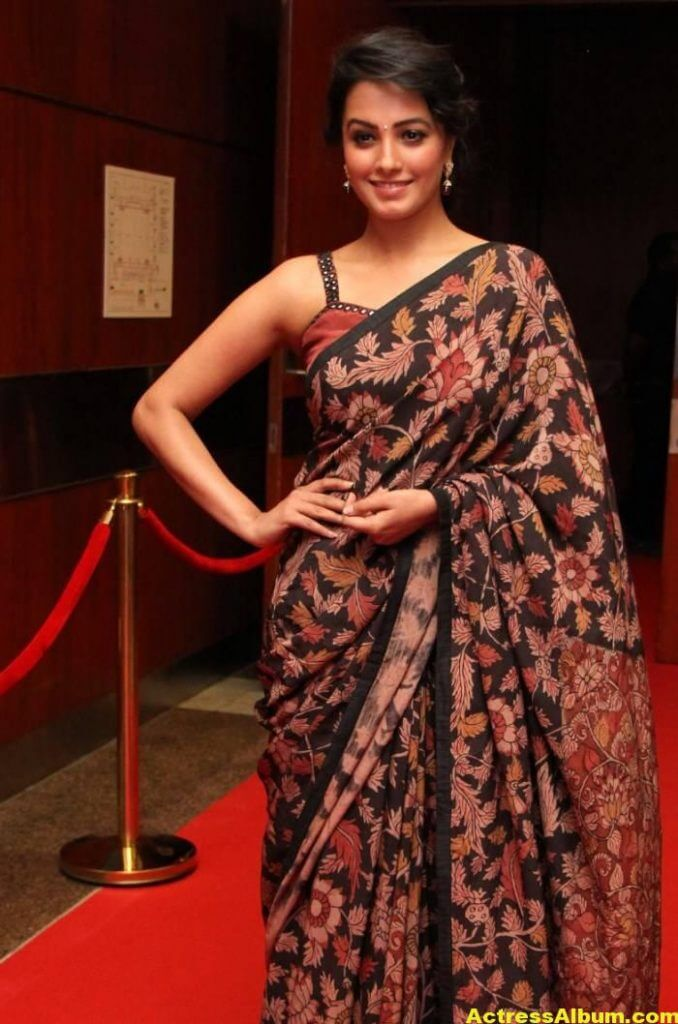 Actress Anita Hot Photos In Black Saree (4)