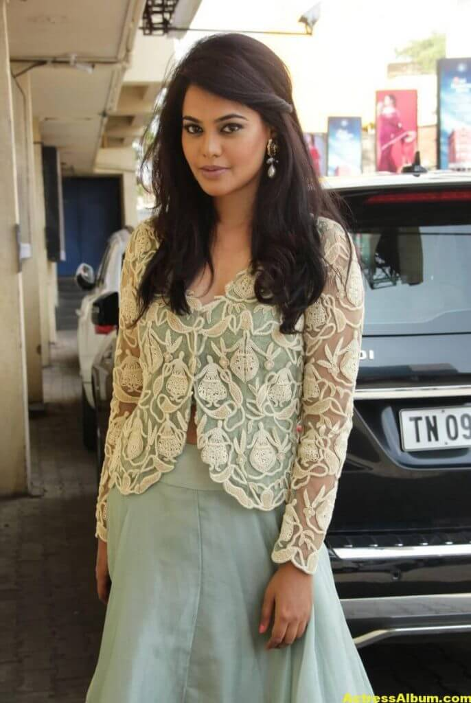 Actress Bindu Madhavi Photos In Green Dress 1