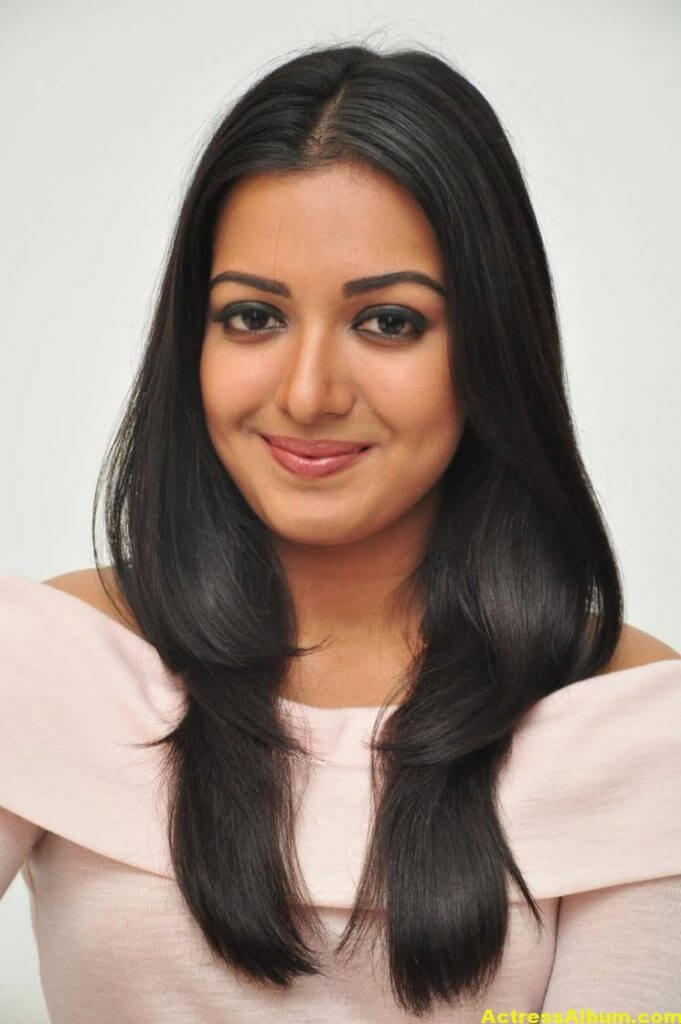 Actress Catherine Tresa Hot In White Dress 3