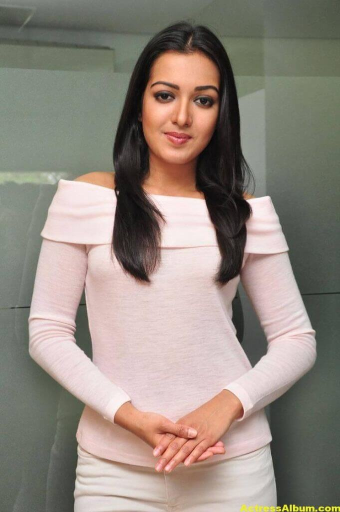 Actress Catherine Tresa Hot In White Dress 4