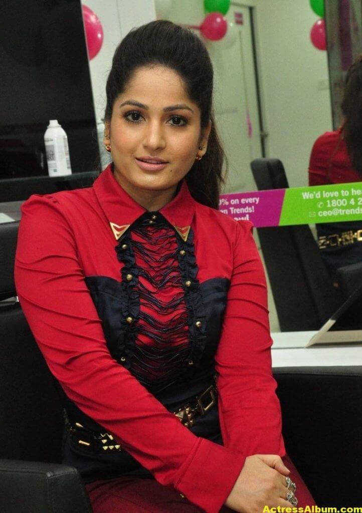 Actress Madhavi Latha Cute