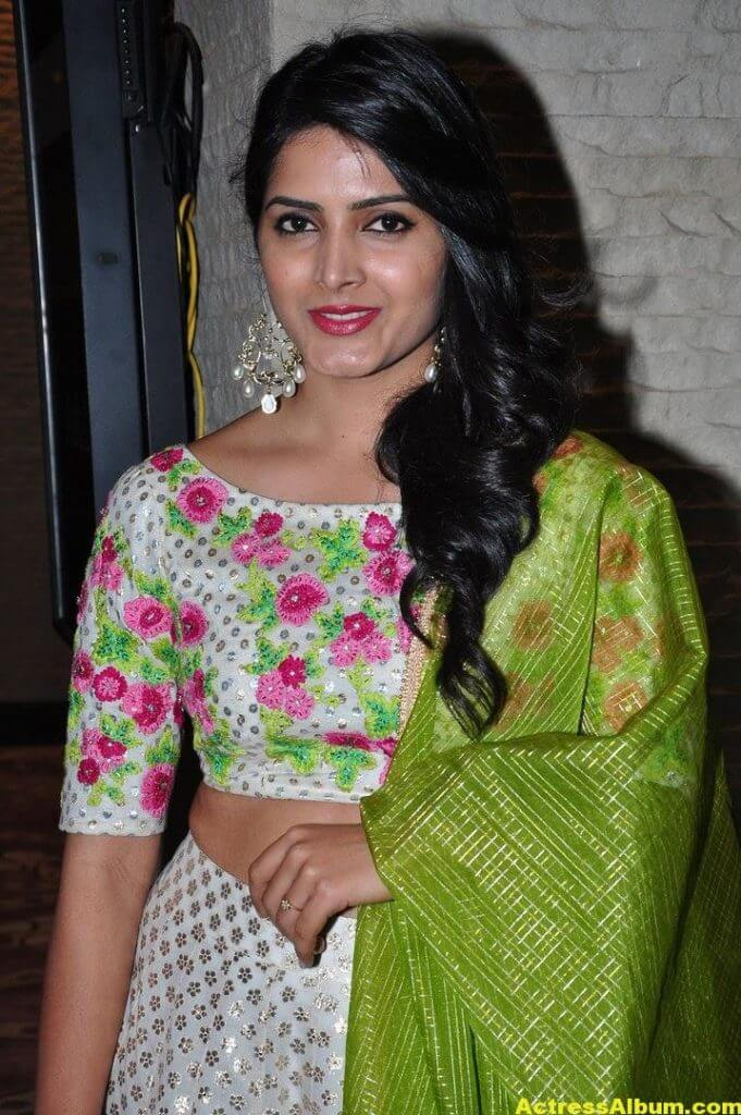 Actress Pavani Gangireddy Pics In Green Dress 3