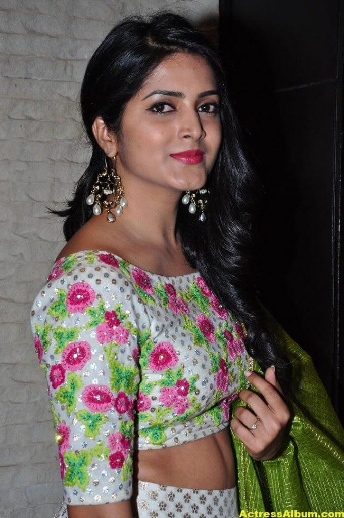 Actress Pavani Gangireddy Pics In Green Dress 7