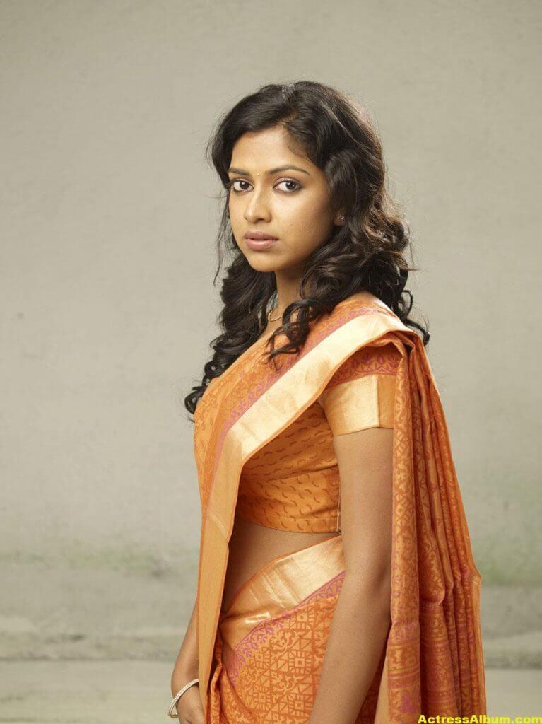 Amala Paul Hot Navel Show Photos In Orange Saree 1