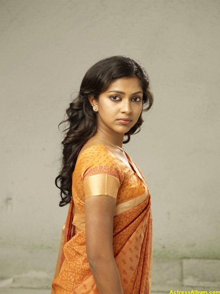 Amala Paul Hot Navel Show Photos In Orange Saree 3