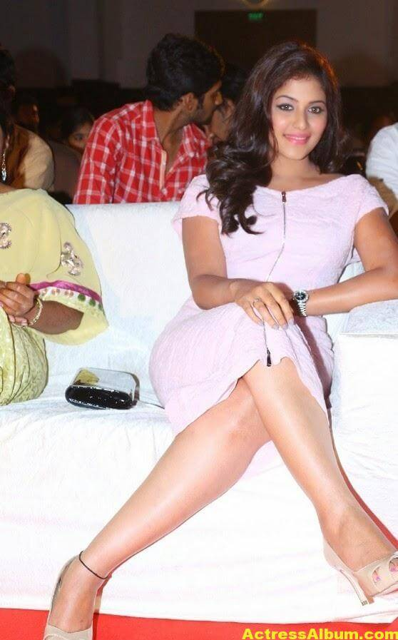 Anjali Hot Thigh Show Photos In White Dress (1)