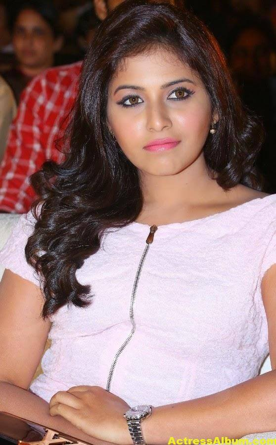 Anjali Hot Thigh Show Photos In White Dress (4)