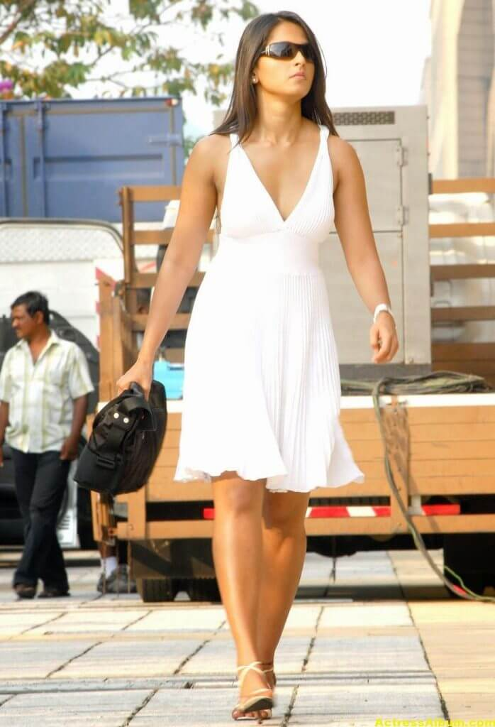 Anushka Shetty Photos In White Long Gown (3)