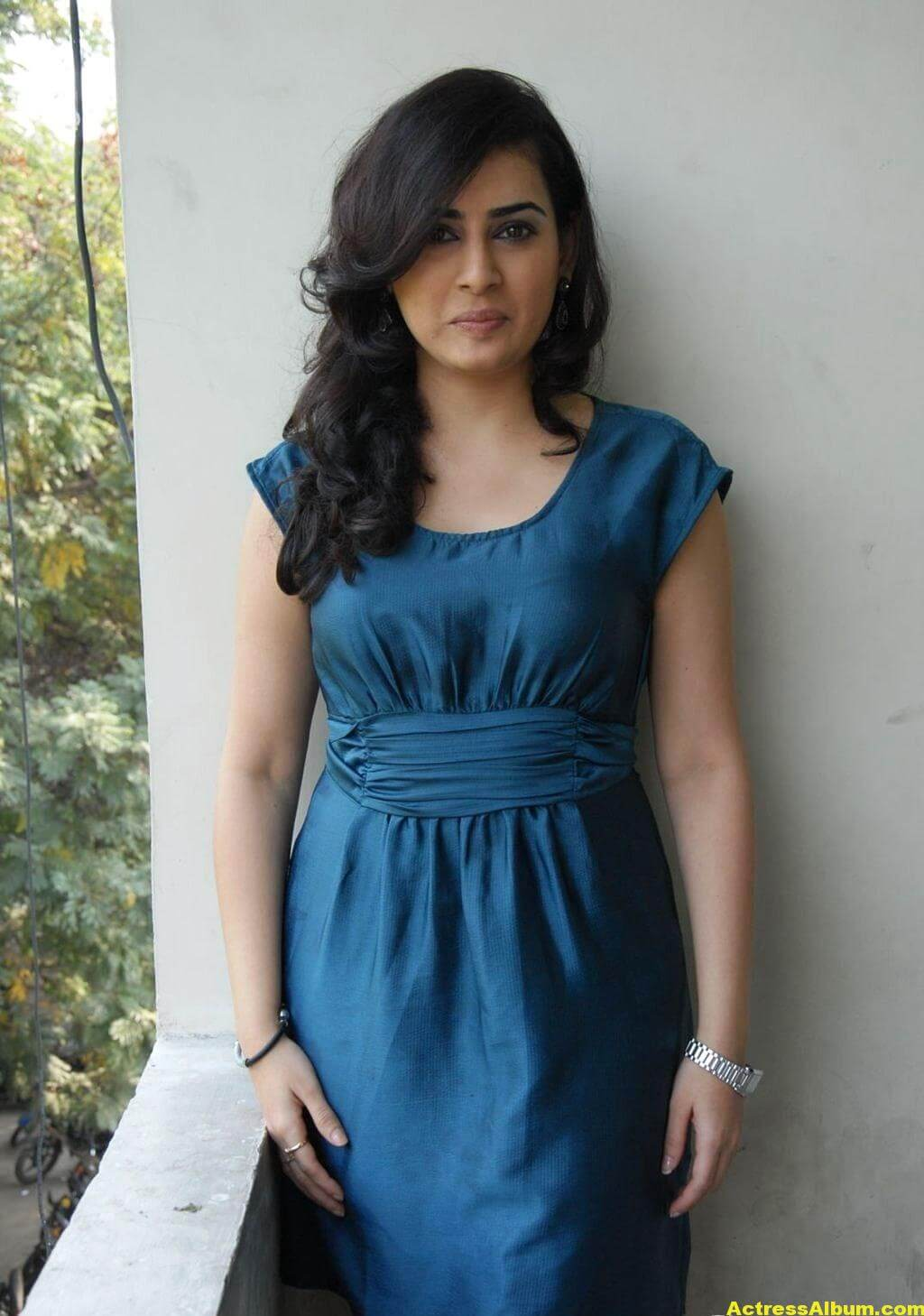Archana Photo Shoot Stills In Blue Dress 3