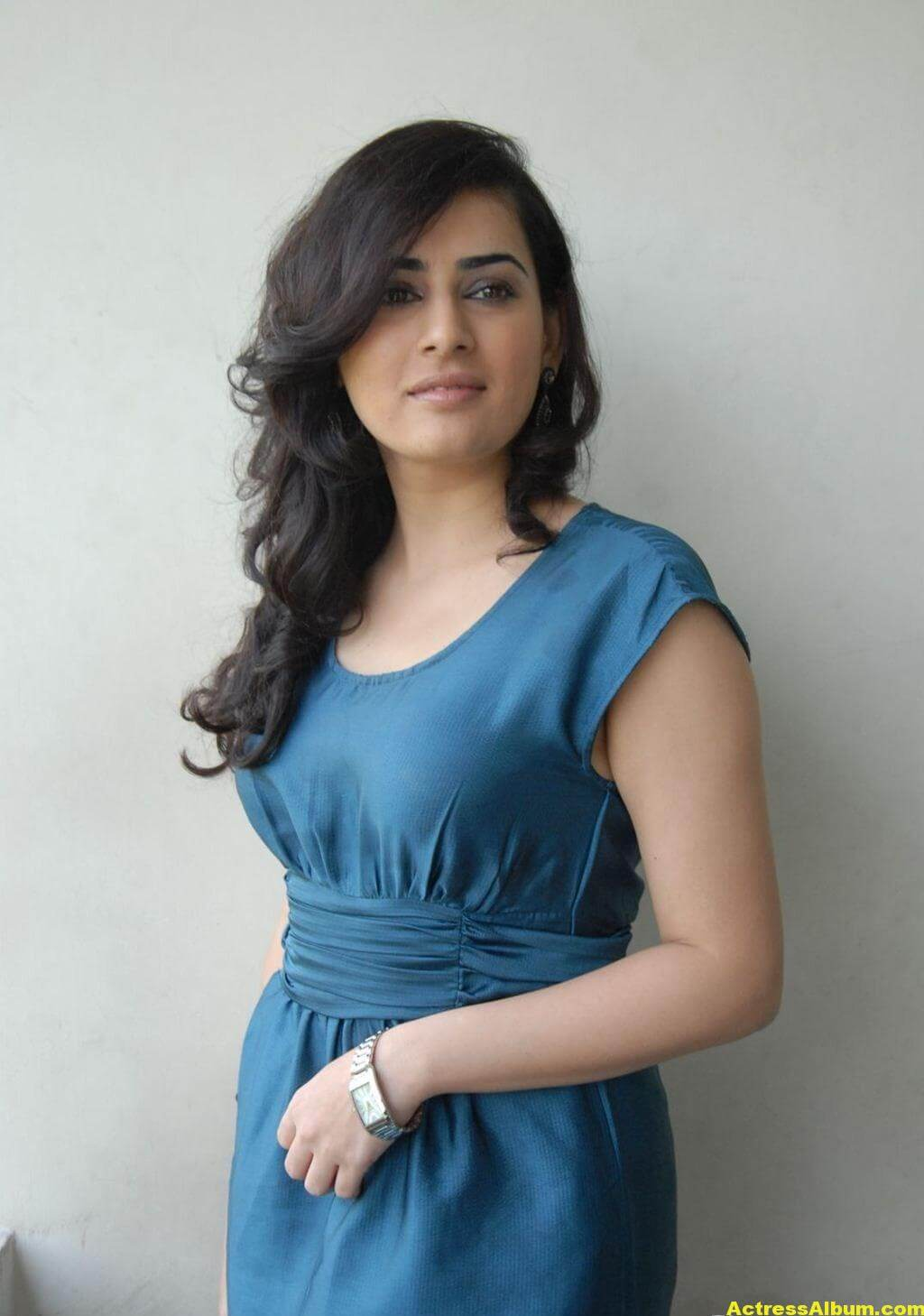 Archana Photo Shoot Stills In Blue Dress 4