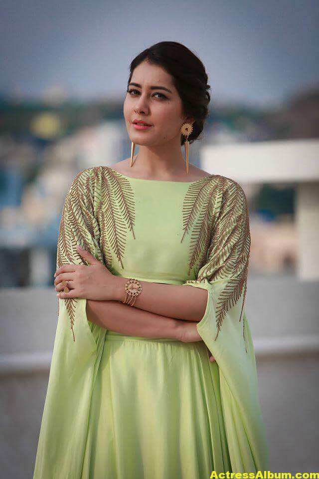 Beautiful Photoshoot Of Rashi Khanna In Green Dress 2