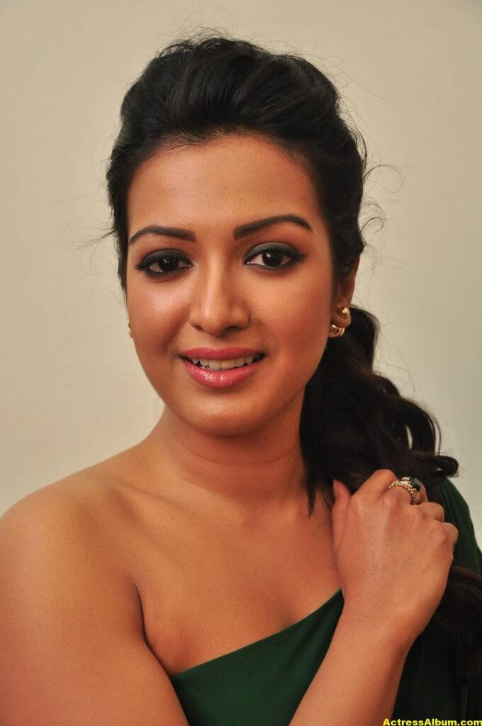 Catherine Tresa Latest Hot Photos In Green Dress 1