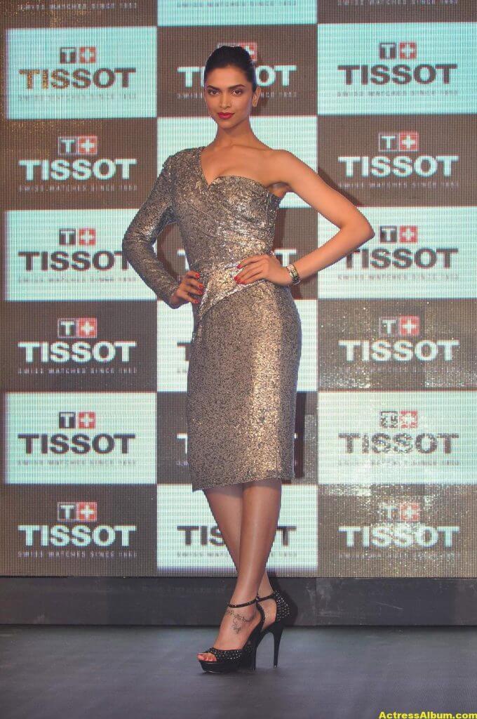 Deepika Padukone Hot Photos In Black Dress 2