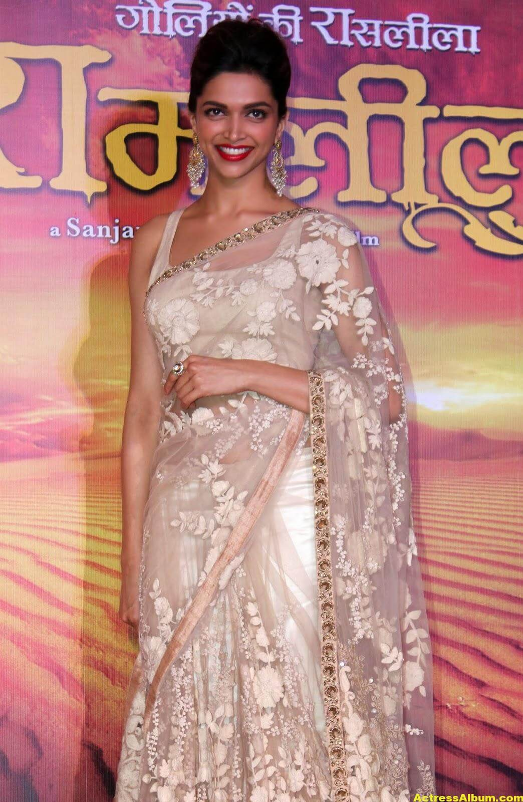 Deepika Padukone Latest Hot Photos In White Saree 6