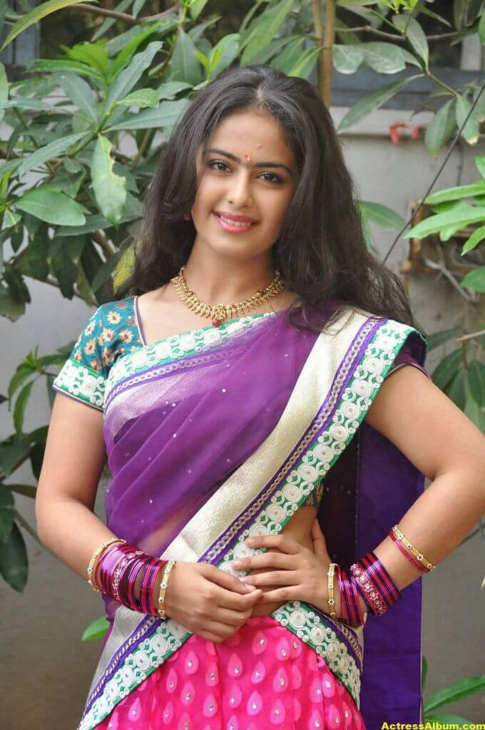 Glamorous Avika Gor Hot Photos In Blue Saree 2