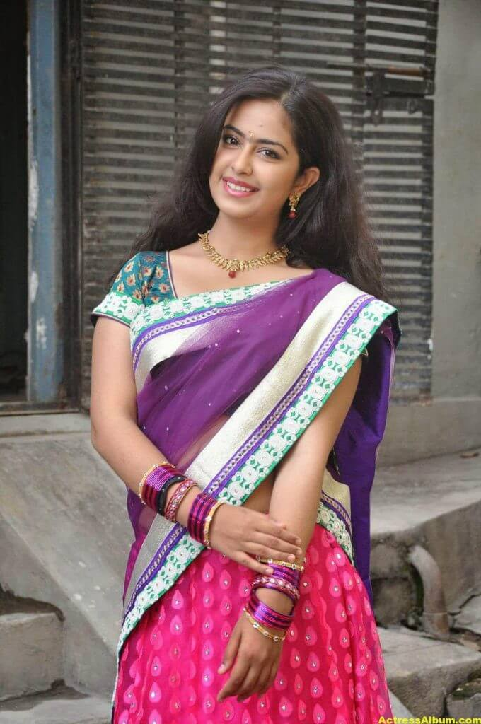 Glamorous Avika Gor Hot Photos In Blue Saree 3