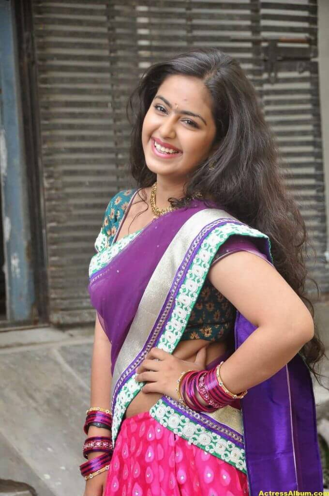 Glamorous Avika Gor Hot Photos In Blue Saree 4