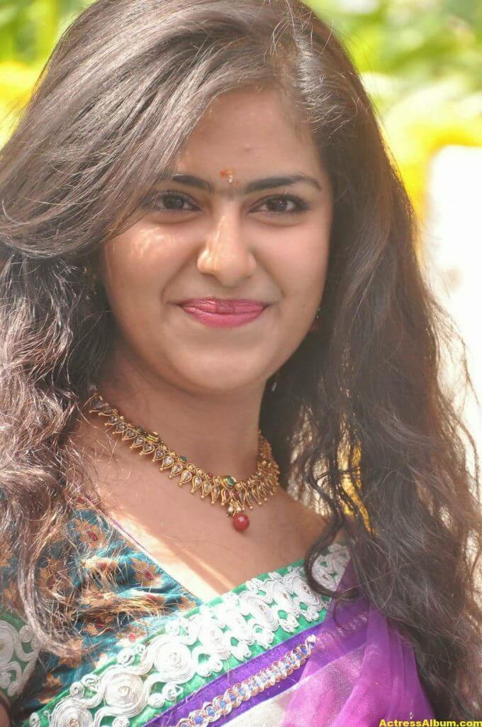 Glamorous Avika Gor Hot Photos In Blue Saree 5