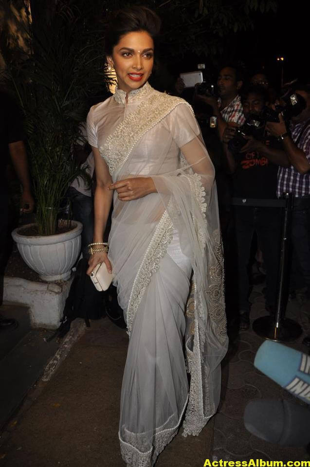 Glamorous Deepika Padukone Hot Photos In White Saree 1