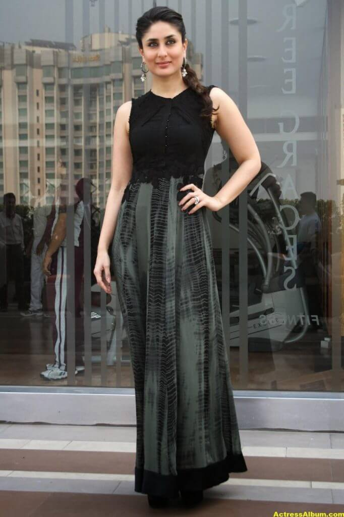 Glamorous Kareena Kapoor Images In Black Dress 0