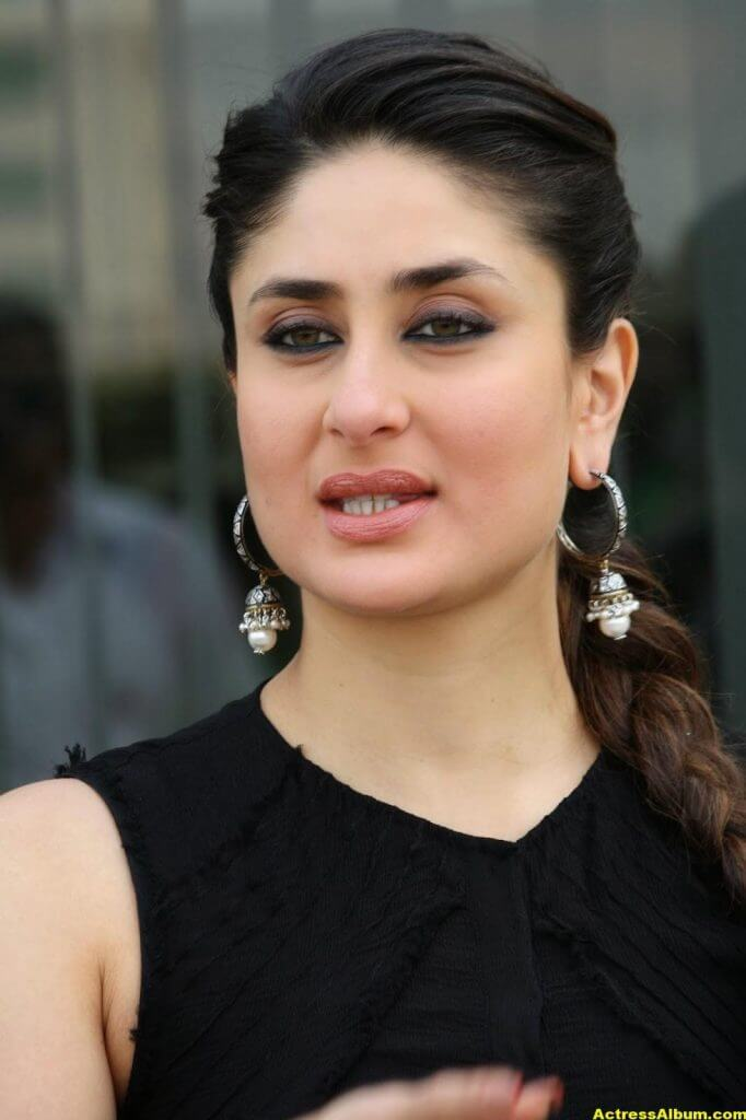 Glamorous Kareena Kapoor Images In Black Dress 1