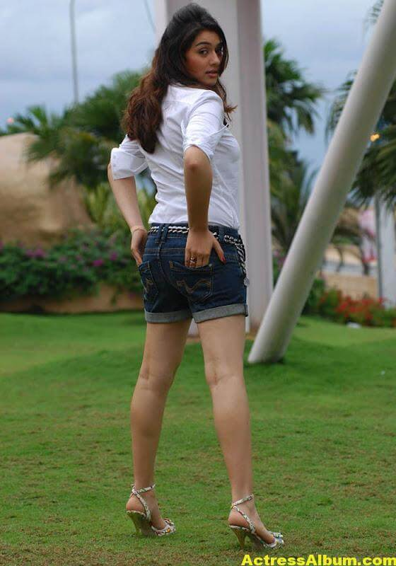 Hansika Legs Show Hot Images In White Dress 2