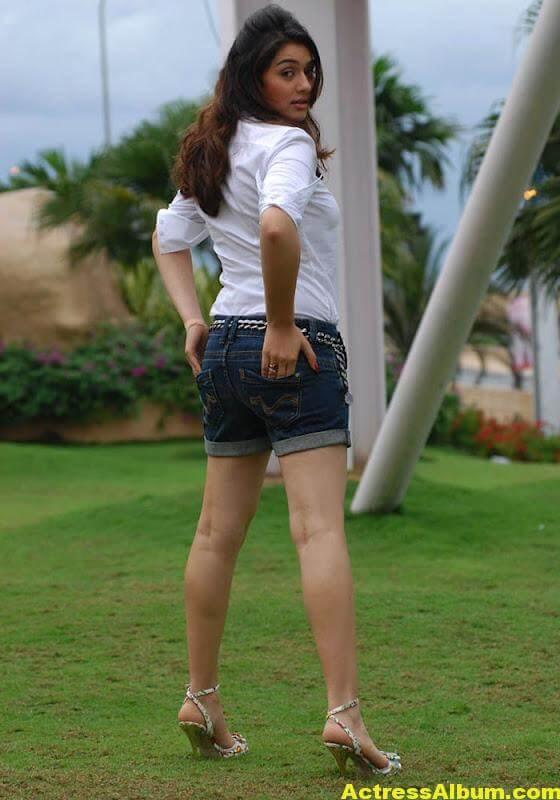 Hansika Motwani Legs Show