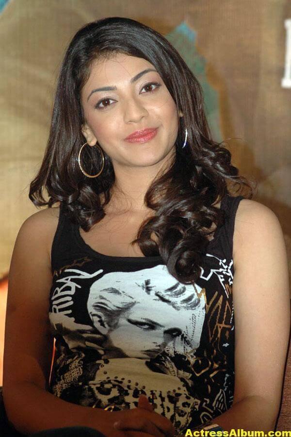 Kajal Agarwal Hot Looking