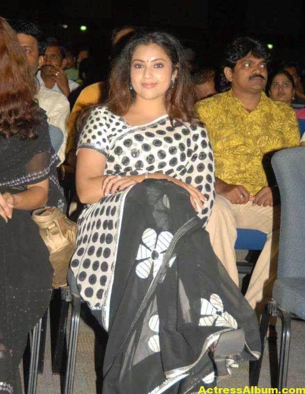 Hot Actress Meena Photos In Black Saree 2