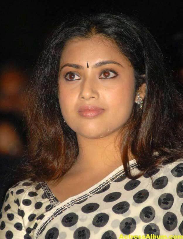 Hot Actress Meena Photos In Black Saree 3
