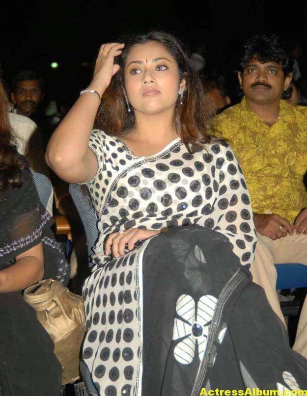 Hot Actress Meena Photos In Black Saree 4