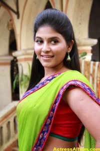 Hot Anjali Photos In Green Half Saree (1)