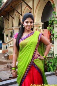 Hot Anjali Photos In Green Half Saree (6)