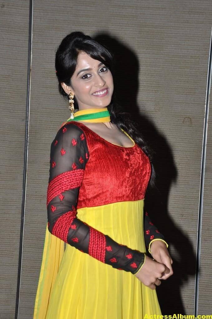 Hot Regina Cassandra Photos In Yellow Dress 5