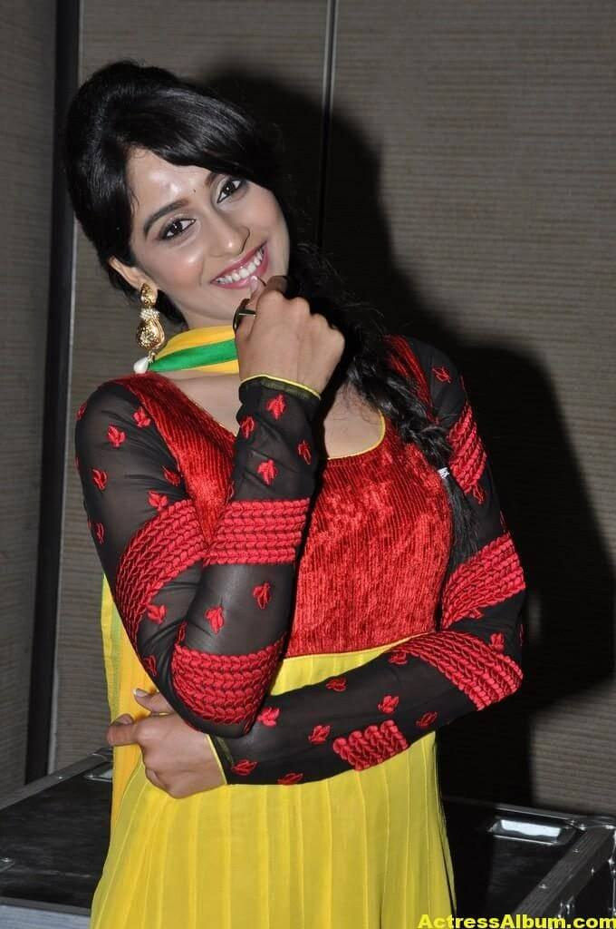 Hot Regina Cassandra Photos In Yellow Dress 7