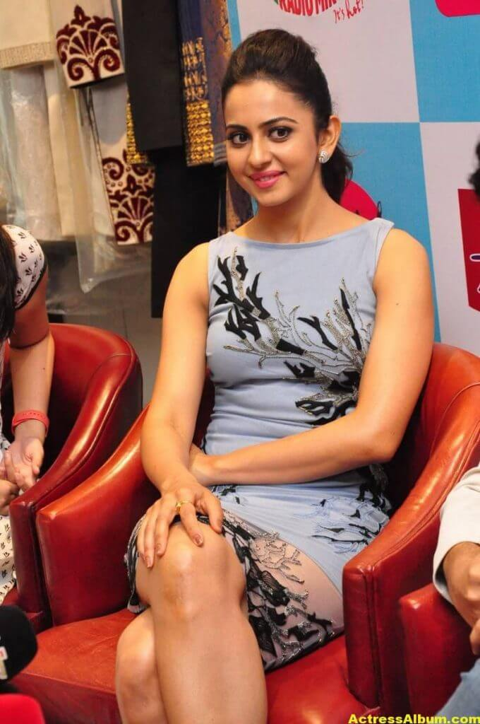 Hot Stills Of Rakul Preet Singh In Blue Dress 2