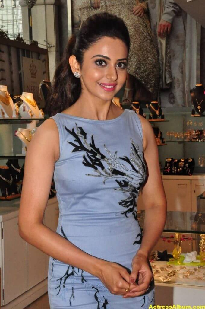 Hot Stills Of Rakul Preet Singh In Blue Dress 3