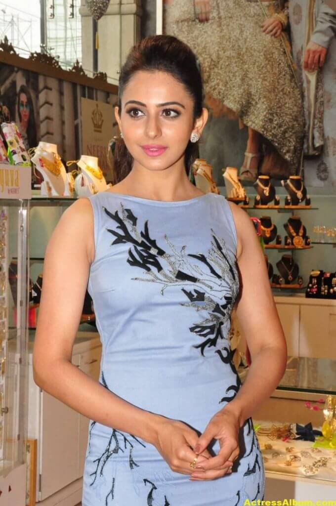 Hot Stills Of Rakul Preet Singh In Blue Dress 4