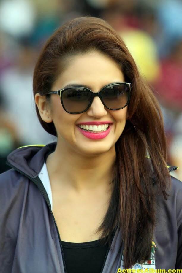 Huma Qureshi Hot Photos In Blue Dress 3