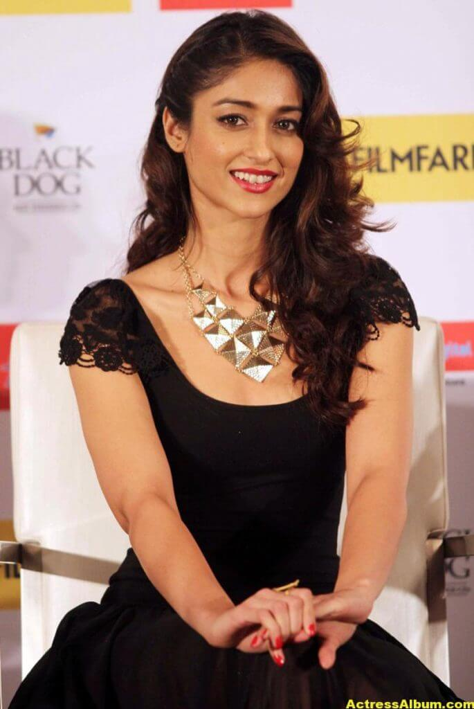 Ileana Hot Photos In Black Dress 3