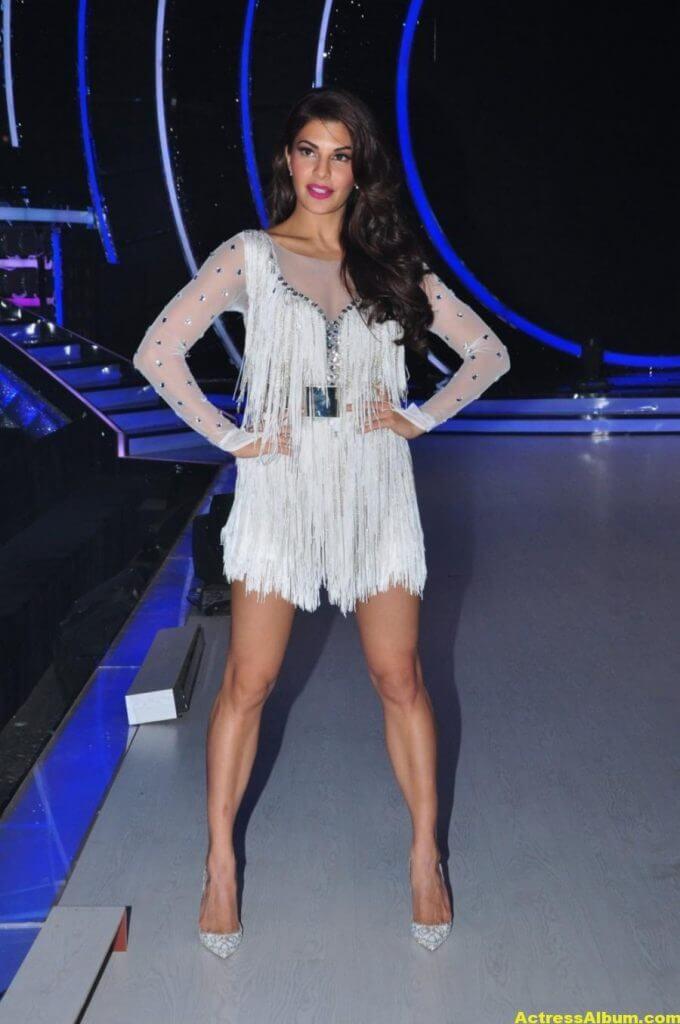 Jacqueline Fernandez On Sets Shoot In Short Legs Show White Dress (1)