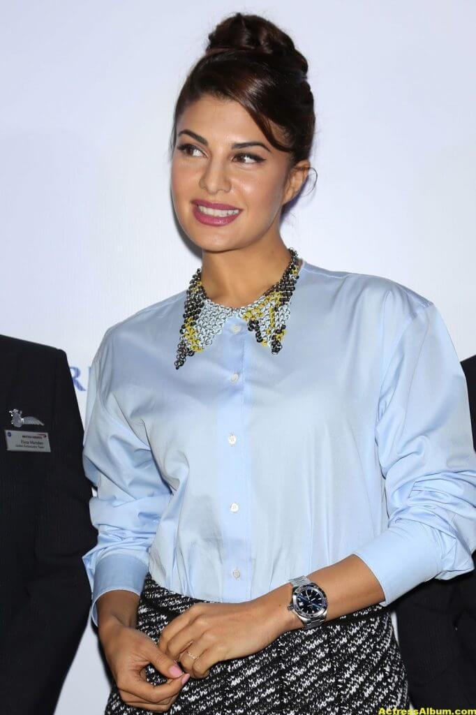 Jacqueline Fernandez Photos In Blue Shirt (2)