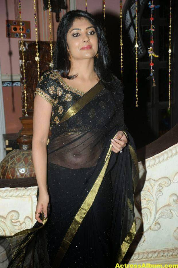 Kamalinee Mukherjee Hip Navel Photos In Black Saree 4