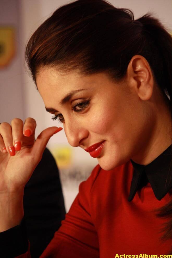 Kareena Kapoor Beautiful Pics In Red Dress 2