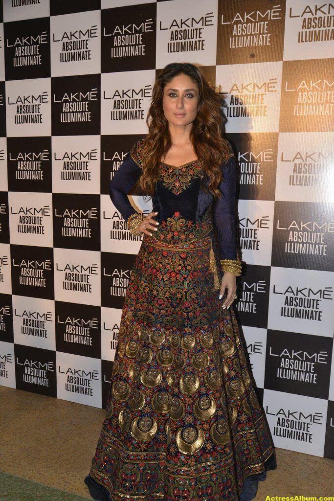 Kareena Kapoor Photos In Blue Dress 5