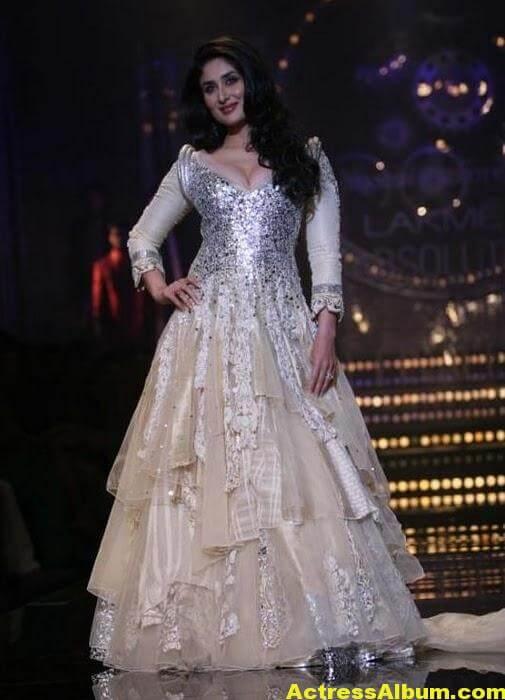 Kareena Ramp Walk In Beautiful White Dress 1