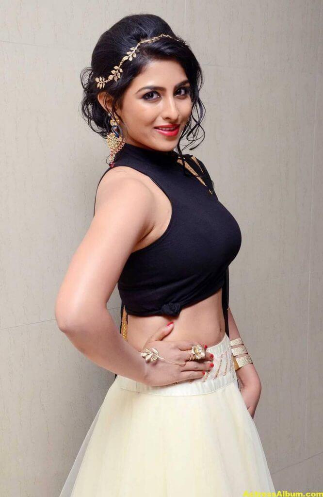 Kruthika Hot Stills Photos In Black Dress 1
